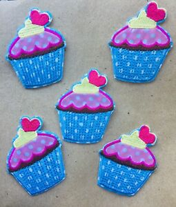 LOT-OF-5-x-CUPCAKE-EMBROIDERED-IRON-ON-PATCH-MOTIF-Scrapbooking-Food-Party-Cake