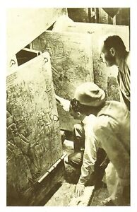 Nostalgia-Postcard-1922-Howard-Carter-at-Tutankhamuns-Tomb-Repro-Card-NS35