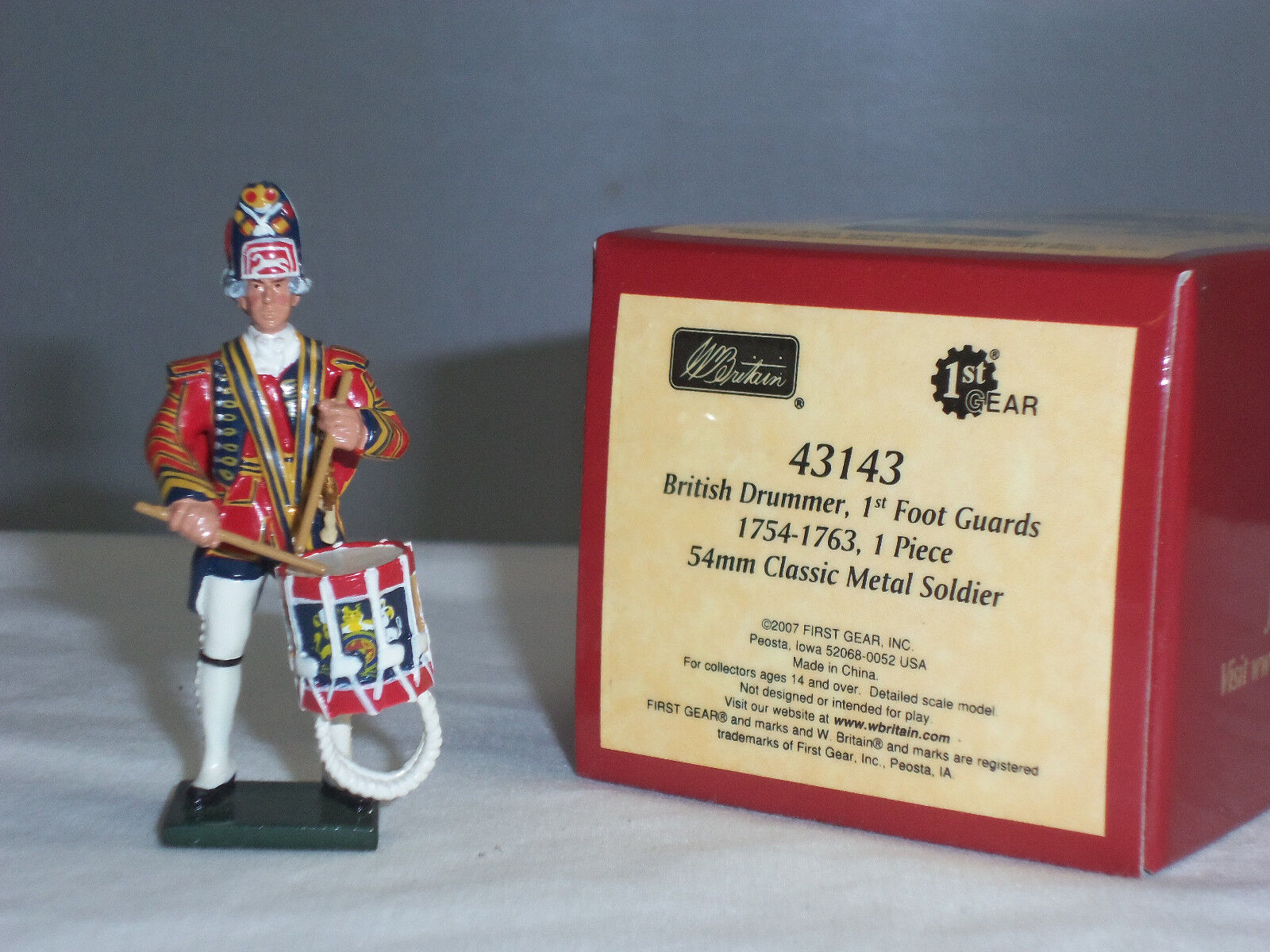 BRITAINS 43143 REDCOATS BRITISH 1ST FOOT GUARDS DRUMMER 1754-63 TOY SOLDIER
