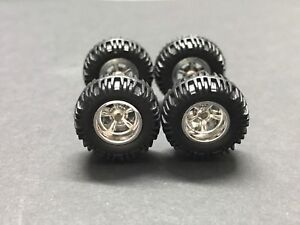 Hot Wheels Real Riders Series Black Track T w//Real Rider Wheels