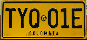 AUTHENTIC-SOUTH-AMERICA-COLOMBIA-2010-039-s-MOTORCYCLE-LICENSE-PLATE-RARE