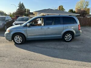2008 Chrysler Town & Country town and country