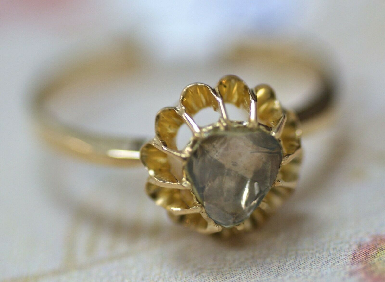 Classic 14K yellow gold ring with a diamond, Size - 8, signed