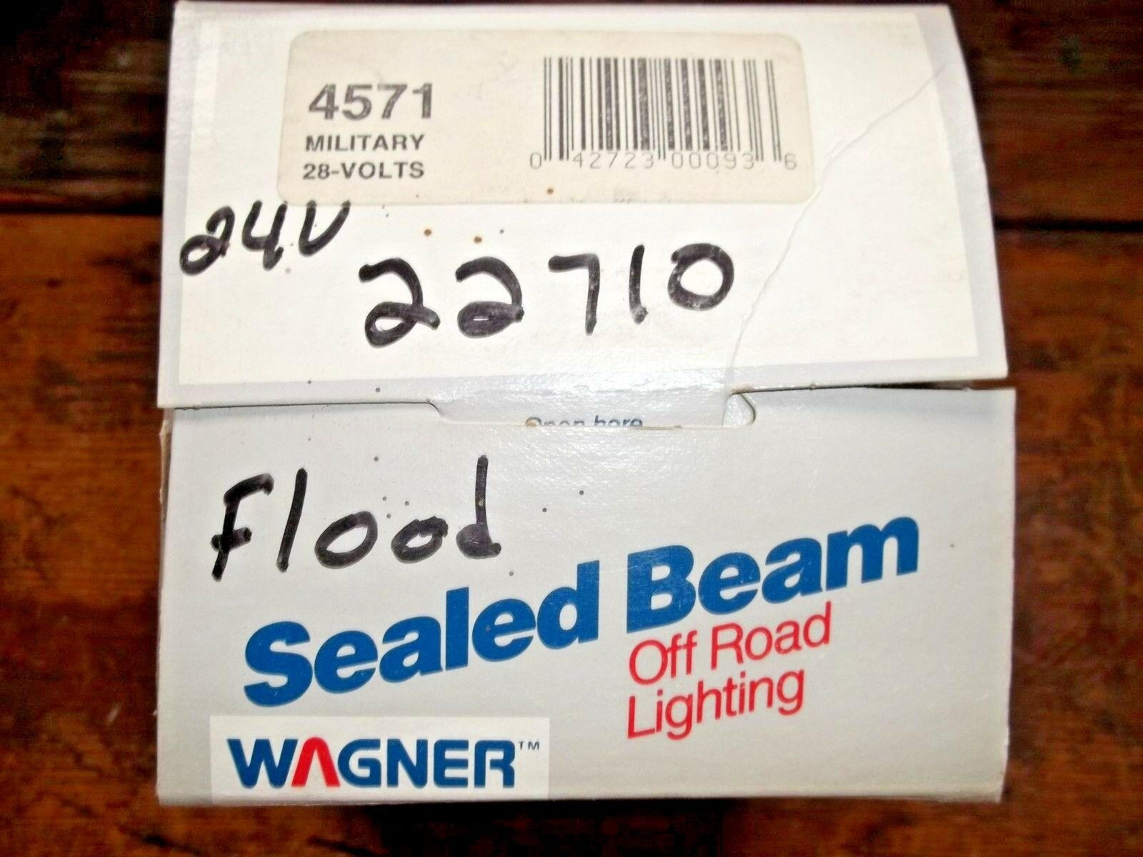 Box of 1 Wagner Lighting 4571 Sealed Beam