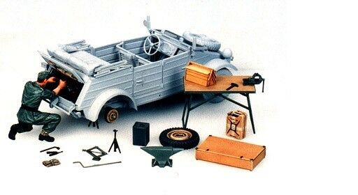 Tamiya 35220 - 1/35 WWII Diorama Set - Kit Mantenimiento Coche Cuba - Nuevo