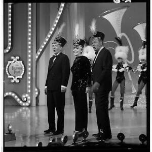 BING CROSBY ALICE FAYE & PHIL HARRIS The Hollywood Palace 1967 OLD TV PHOTO 2