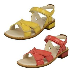 c5a319ae1d8 Image is loading Clarks-Girls-Darcy-Charm-Yellow-Or-Coral-Patent-