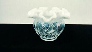 Vintage-Fenton-White-Clear-Ruffled-Top-Cut-amp-Block-3-5-034-Rose-Bowl