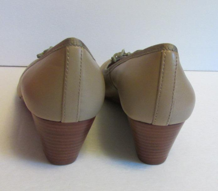 Tory Burch Chelsea Wedge Sandbox Sandbox Sandbox tan brown shoe 8 new logo leather bow 45 beige 41c903