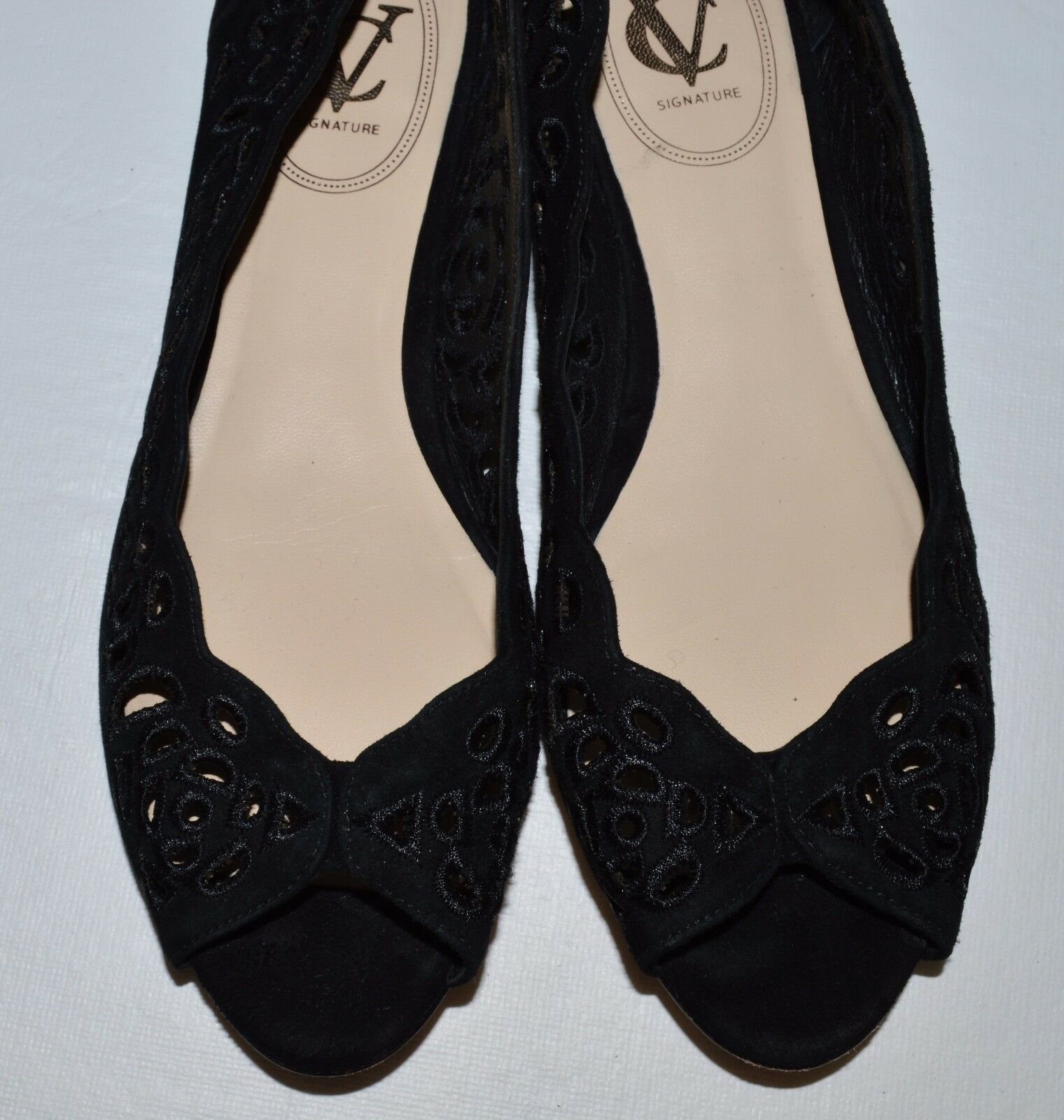 f0c5f6953a1 ... VC VINCE CAMUTO SIGNATURE CATLYN SZ 7 M 37 SUEDE BLACK SUEDE 37 OPEN  TOE FLATS ...