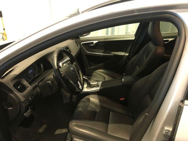 Volvo V60 2,0 D4 190 Momentum aut. - billede 5