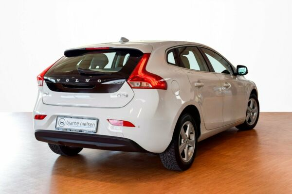 Volvo V40 2,0 D2 120 Inscription aut. - billede 2
