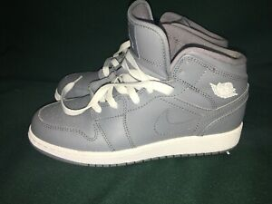 818c89e0f08 Nike Air Jordan 1 Mid Retro Cool Gray White Sz 5.5 554725-003