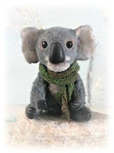3-1-2-034-Faux-Fur-Little-Koala-Bear-OOAK-Artist-Antiqued-Bear-OOAK-Boulter-Bears
