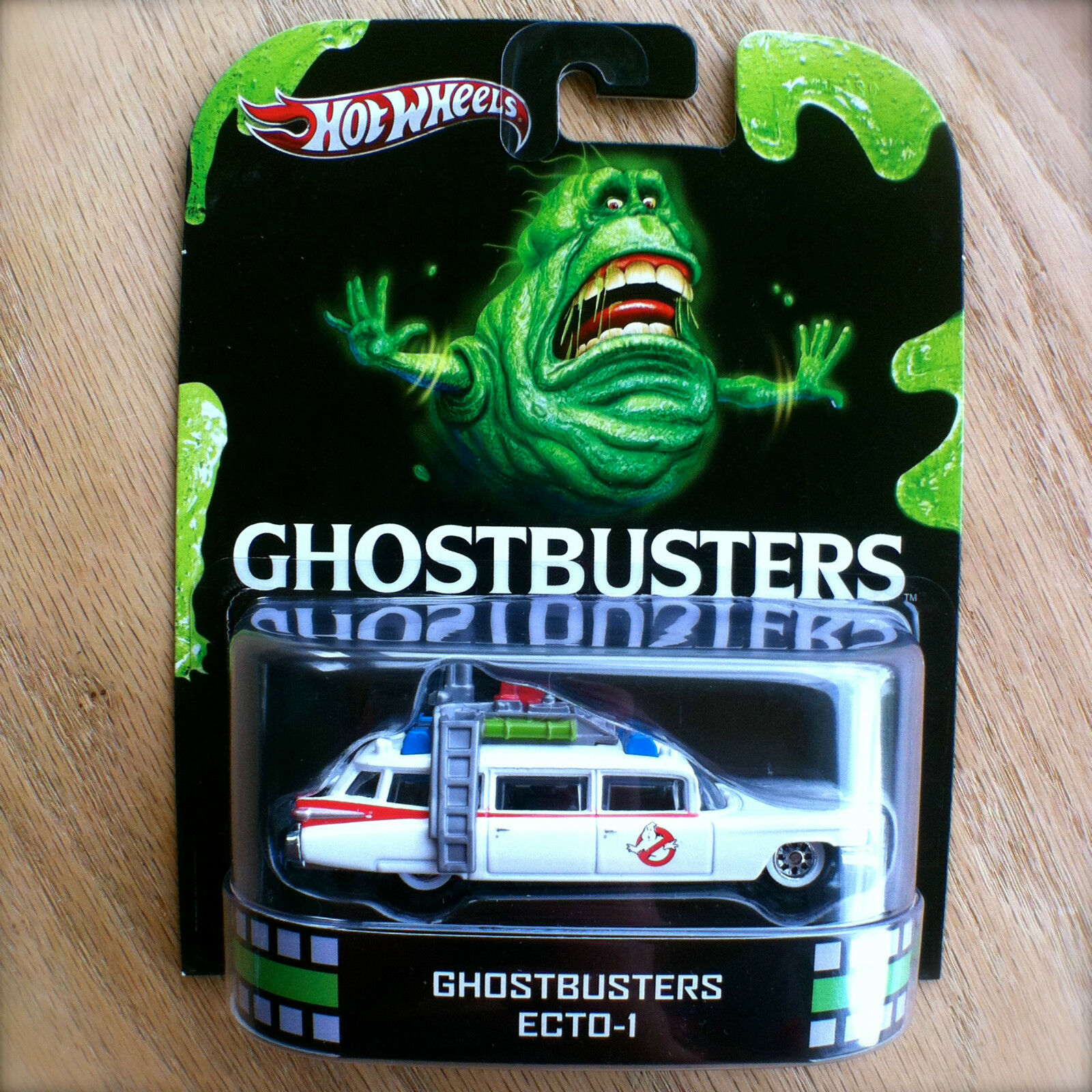 Hot wheels - ecto-1 druckguss retro - entertainment ect0-1 2013 intl.