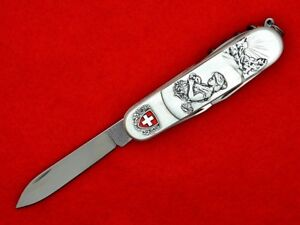 VICTORINOX-CARVED-SPARTAN-YOUNG-SWISS-HERBALIST-S76-587-J