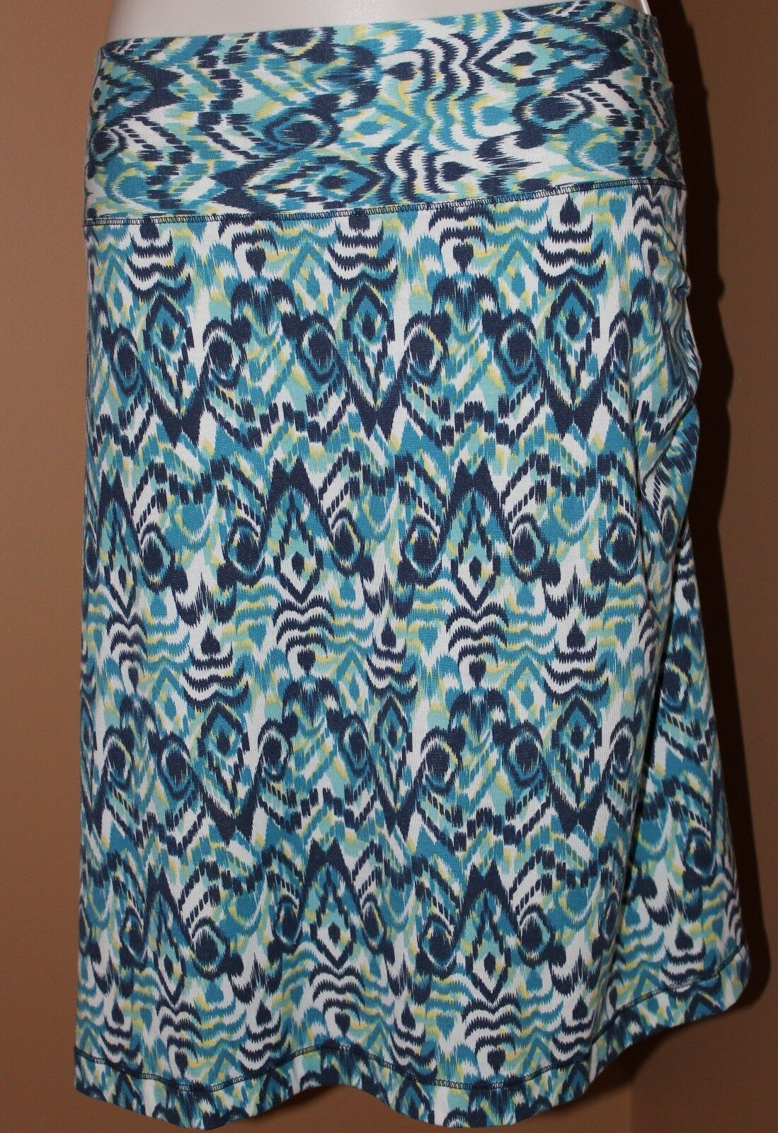 TITLE NINE bluee White Ikat Knit Stretch Skirt NWOT XS Ruched Side Straight