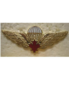 FOREIGN-BADGES-CANADIAN-JUMP-WINGS-RED-MAPLE-LEAF