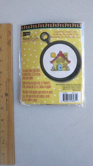 Home is Where The Cat is Janlynn 998-5037 18 Count Round Mini Counted Cross Stitch Kit 2-1//2-Inch
