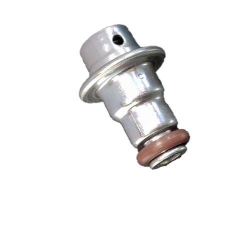 Neuf Carburant Régulateur de Pression Suzuki GSX 650 15610-18H00-000 Pompe à