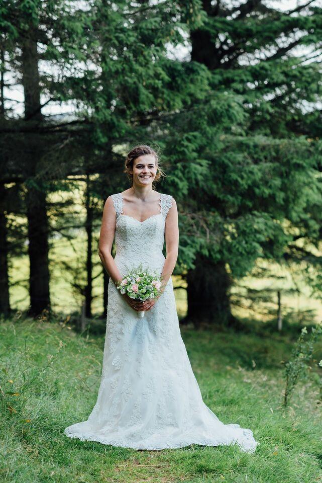 3e2740f4 Brudekjole, Maggie Sottero, str. – dba.dk – Køb og Salg af Nyt og Brugt