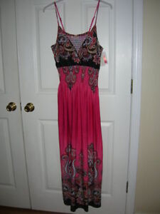 new-Womens-maxi-dress-size-1X-pink-print-padded-bra-adjustable-straps