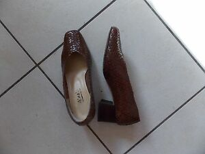CHAUSSURES-FEMME-CUIR-T-36-MINELLI