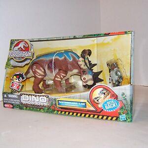 Jurassic Park Dino Showdown Pachyrhinosaurus Clash With Gunner Gordon Figure 653569839569