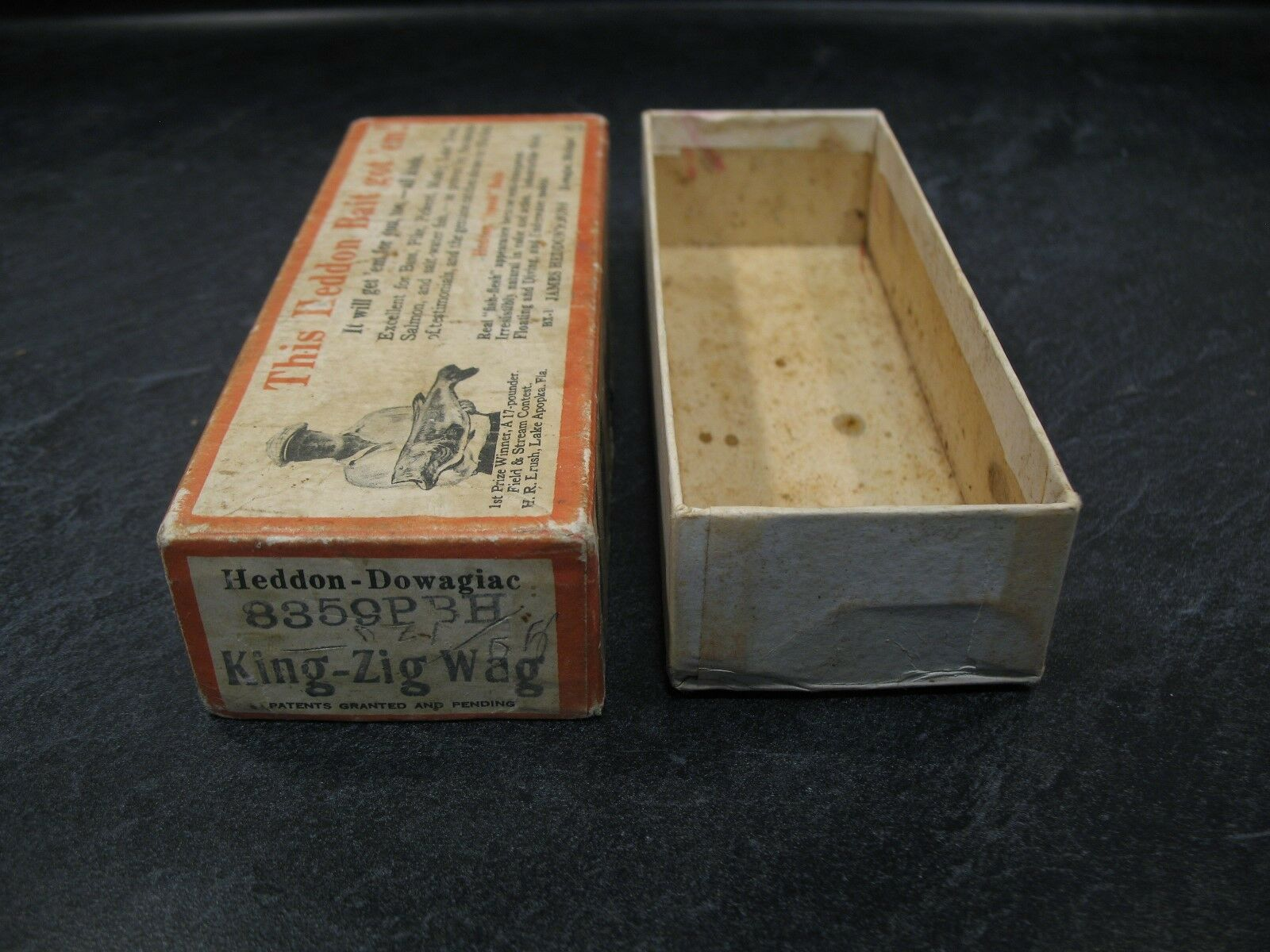 HEDDON 8359PBH BRUSH BOX (only) KING ZIG-WAG  blueE HERRING  Fishing Lure Vintage