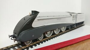 Hornby-R3307-The-Silver-Jubilees-A4-Class-034-QUICKSILVER-034-2510-DCC-Ready
