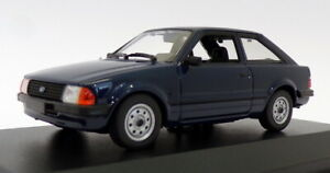 Maxichamps-1-43-escala-940-085000-1981-Ford-Escort-Azul