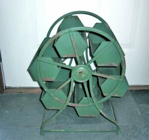 Vintage-Industrial-Revolving-Tray-034-Ferris-wheel-Caddy-Hopper-034-Revolving-Display