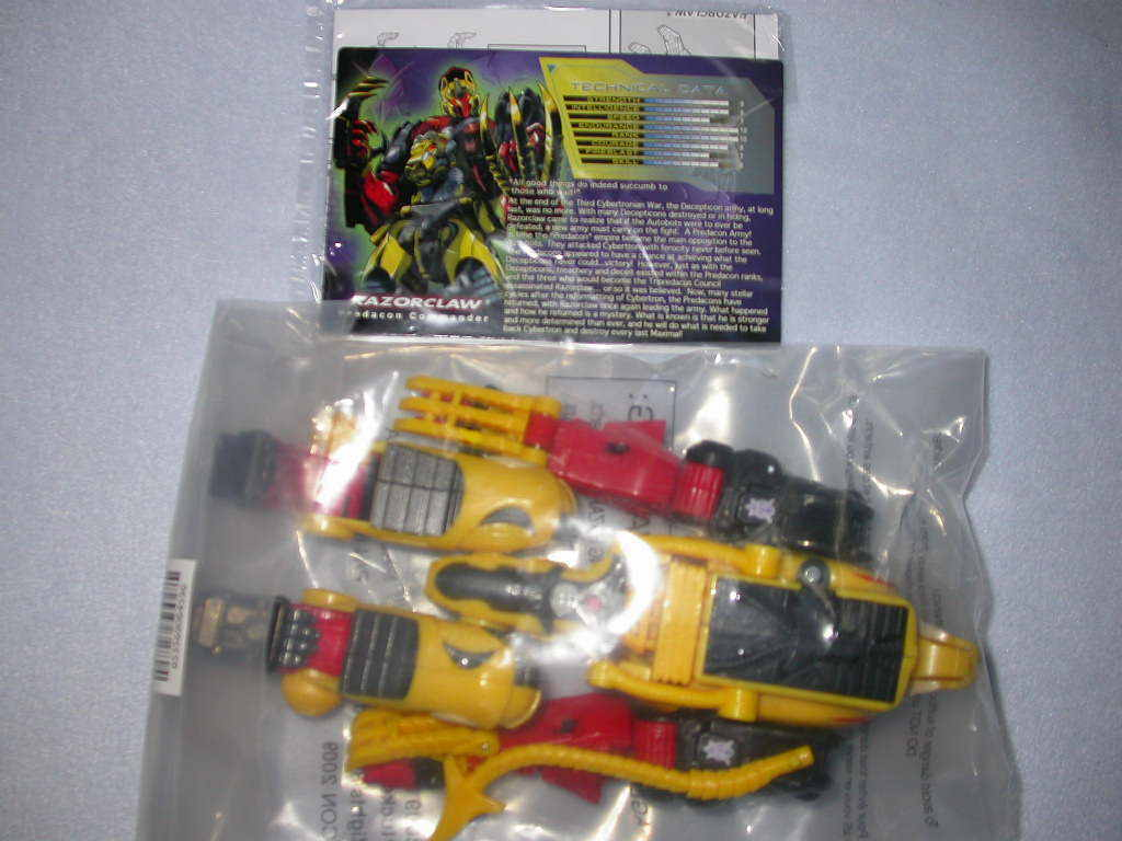 Botcon 2009 Transformers RAZORCLAW exclusive new attendee only misbag