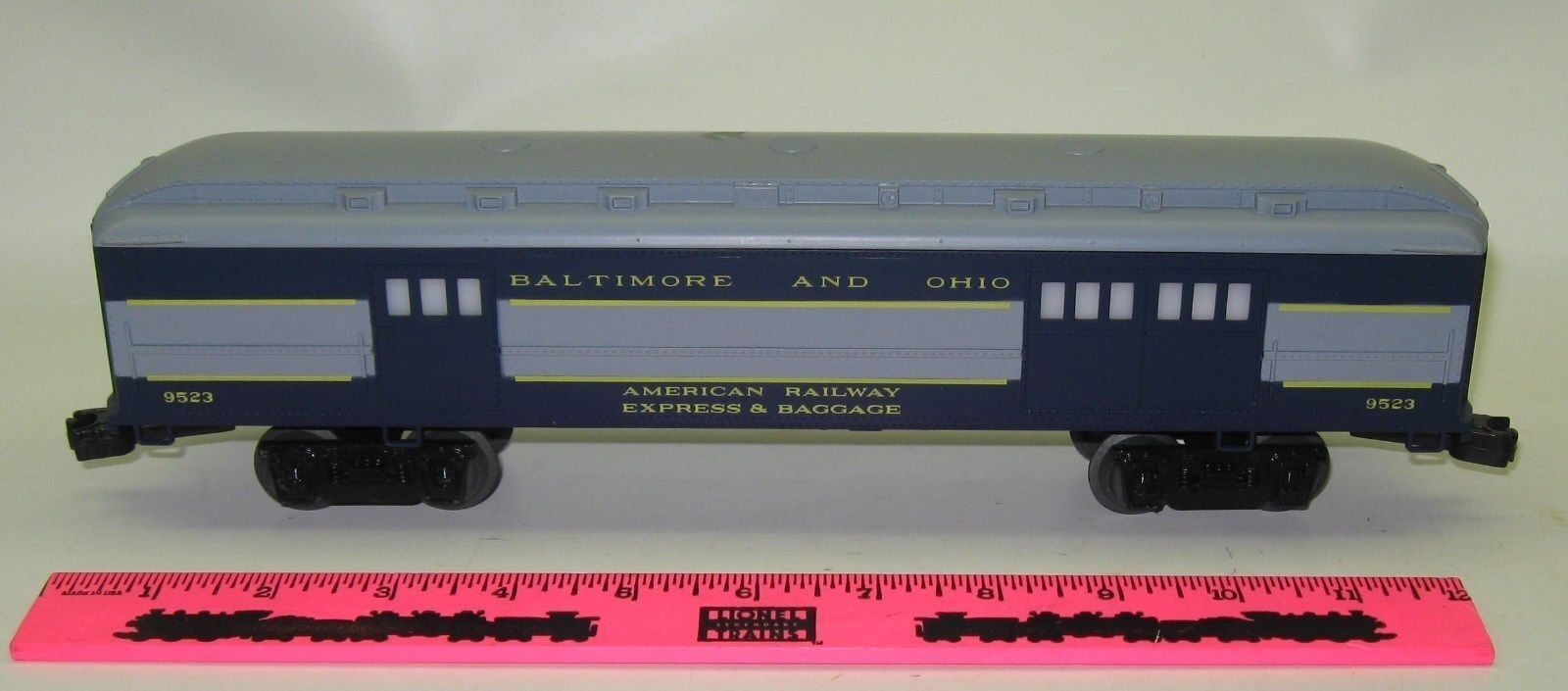 Lionel 9523 Baltimore and Ohio  American Railway express & baggage  Baggage Pass