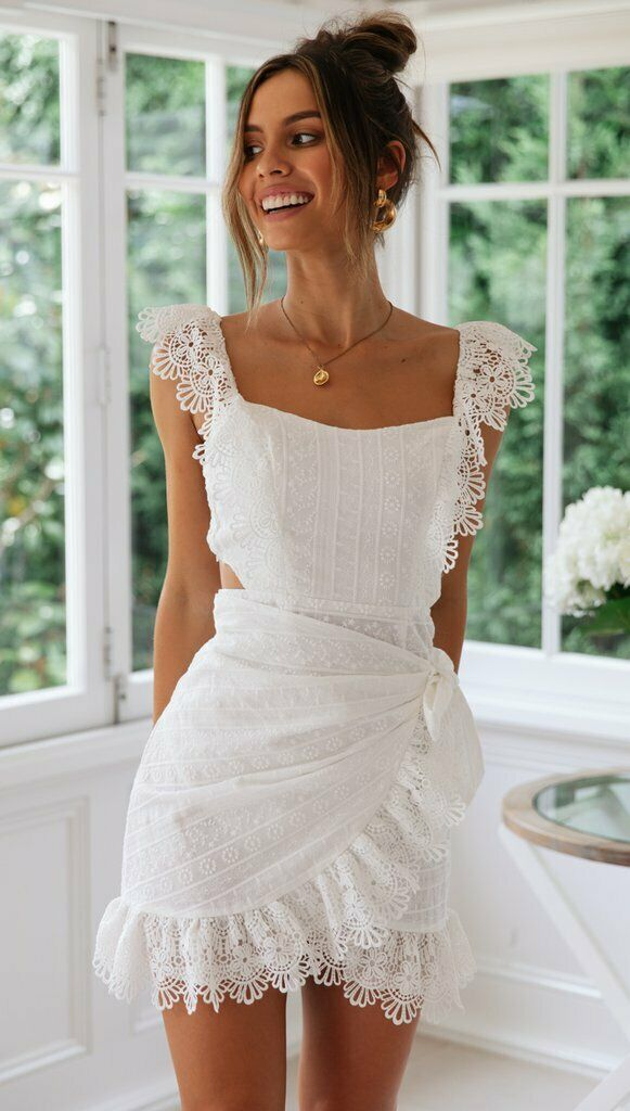 BNWT Weiß Lace Embroiderot Ruffled Petunia Cocktail Mini Dress Größe 6 8 10