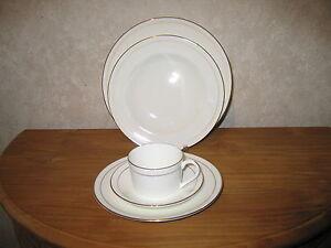 COALPORT *NEW* ELANORA Set 3 assiettes + 1 tasse Set 3 plates + 1 cup hEFqYJvQ-08063849-952277593