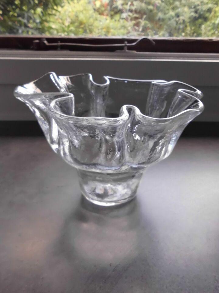 Glas, Skål/vase Skulpturel., Lindshammar Sweden