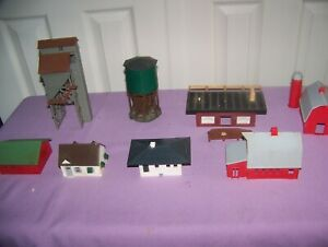 Vintage-HO-Scale-lot-of-8-completed-Train-Layout-Buildings-barns-water-tower-etc