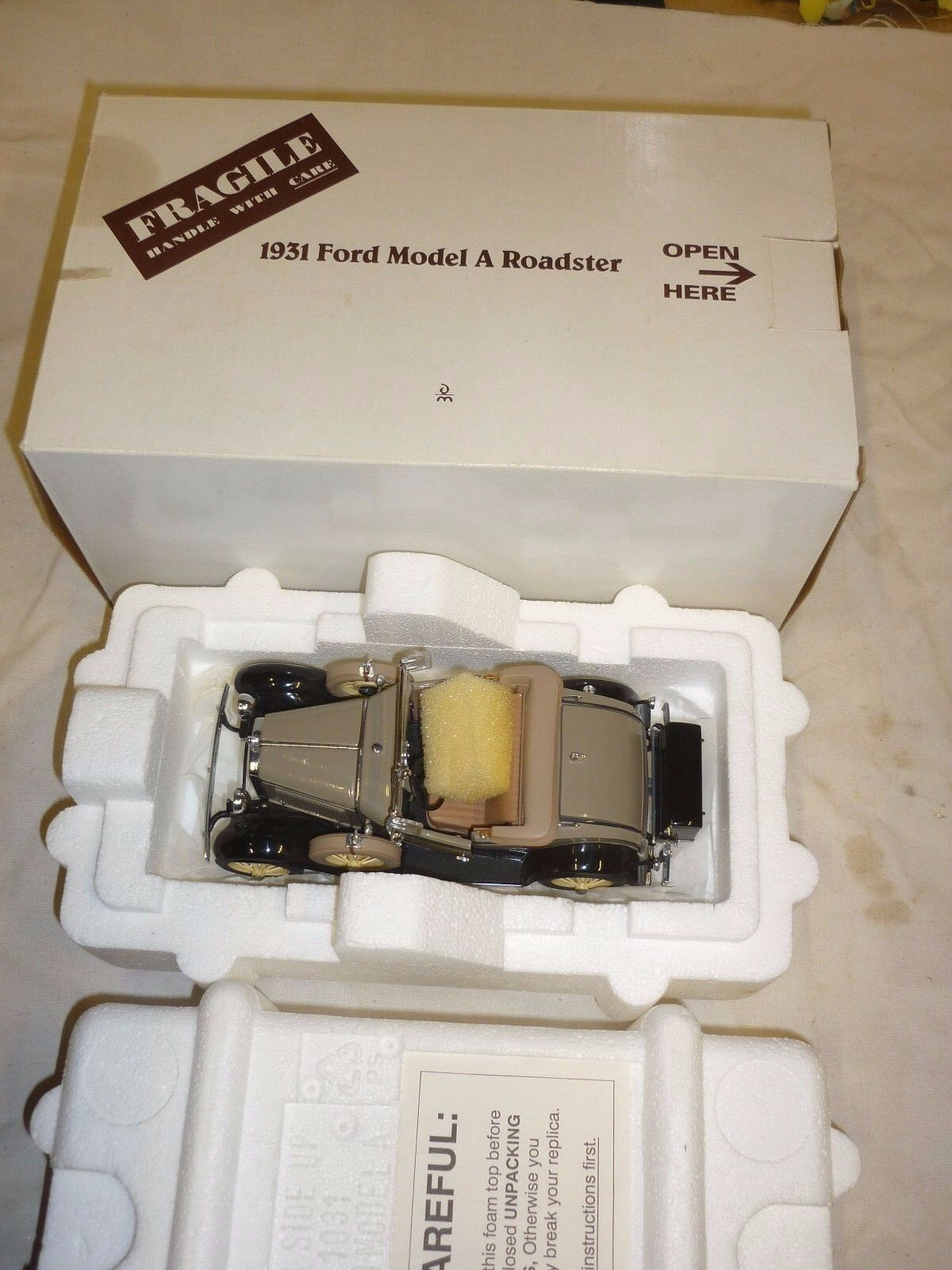 DANBURY Comme neuf 1931 FORD MODEL A ROADSTER, sans papiers, Boxed, (NMB)