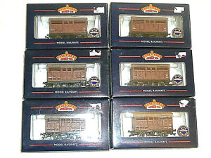 Rake of 6 Bachmann 10T Cattle Wagons Wagon Boxed Superb 00 Gauge OO 37-700A