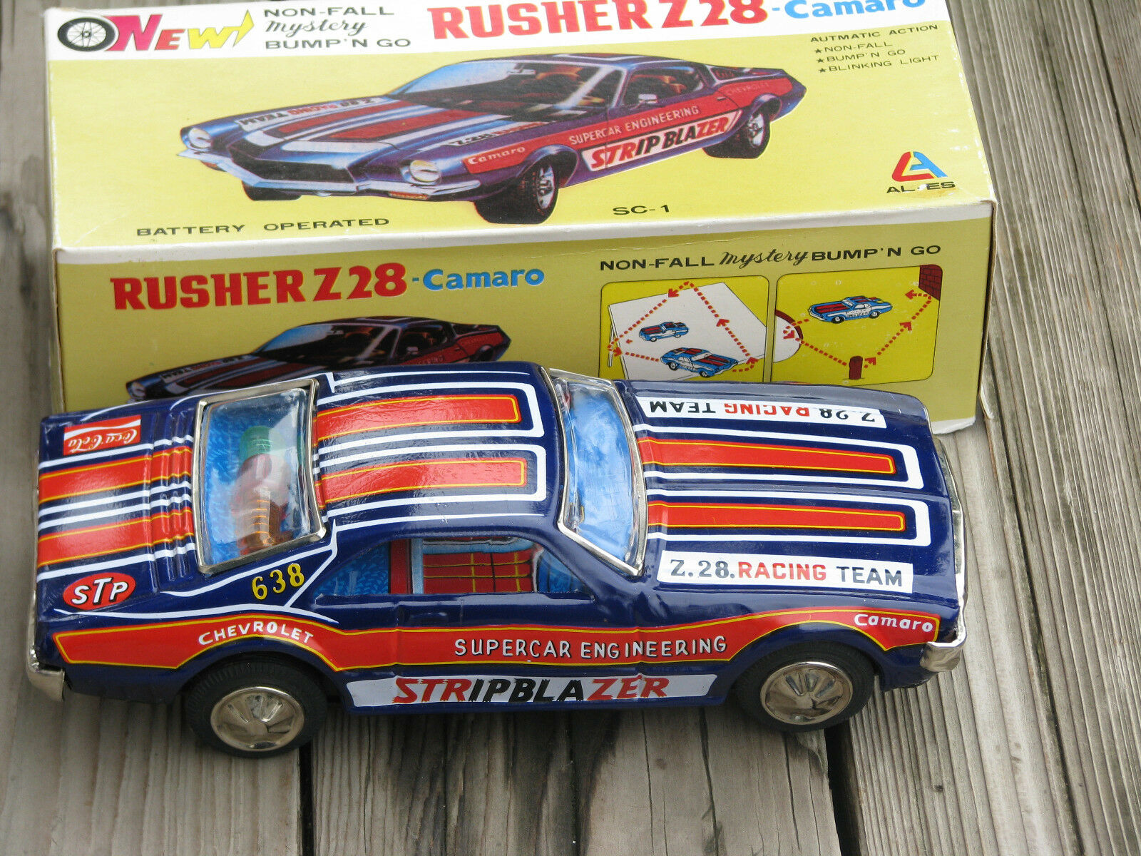 TAIYO Vintage 1970s RUSHER Z28 CAMARO 10  Car SC-1 Battery Operated 638  JAPAN