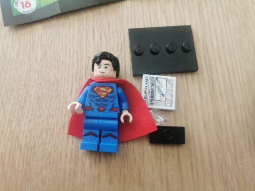 Superman Mini Figure 71026