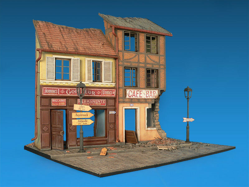1 35 FRENCH STREET DIORAMA MINIART 36006