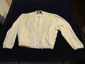 Vtg-Beaded-Cashmere-SweaterPastel-flowers-Pink-Blue-Green-Stunning-40-034-Bust-SR