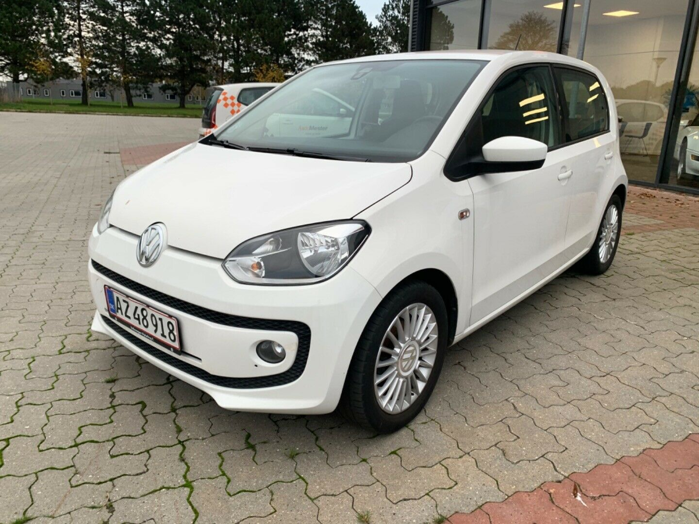 VW Up! 1,0 60 High Up! BMT 5d - 69.800 kr.
