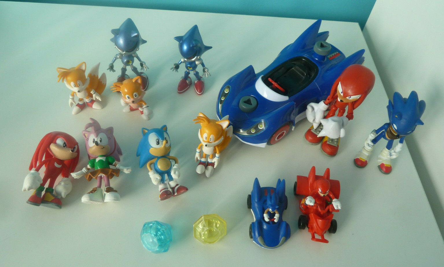 Bundle of Sega Sonic The Hedgehog Action Figures Plastic Toys Cars Gems