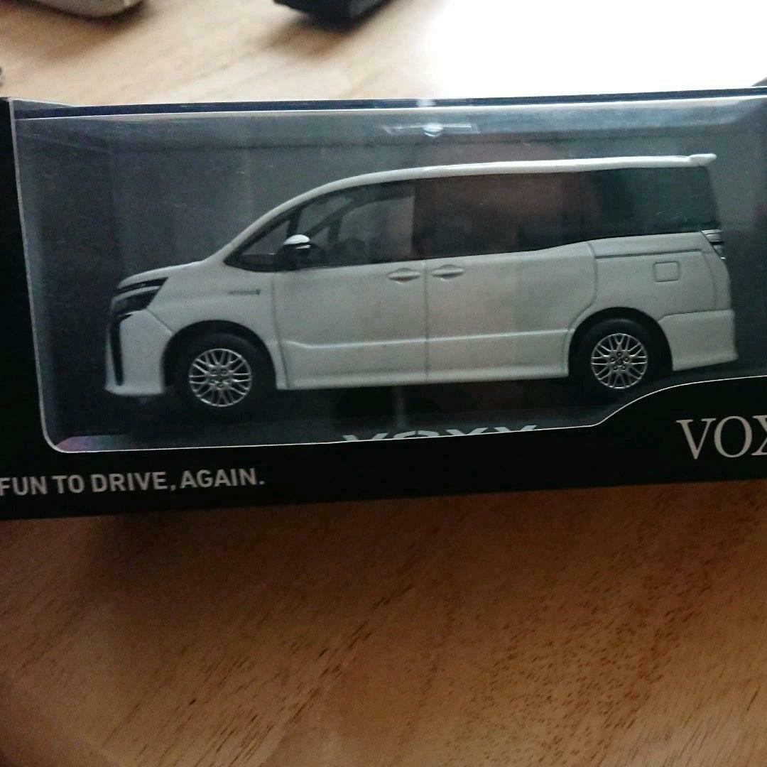Toyota VOXY 1 30 DEALER Promo RARE Not Sold in Stores