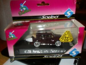 Solido-Renault-4cv-DECOUVRABLE-Die-Cast-coche-en-perfecto-estado-escala-1-43-4538