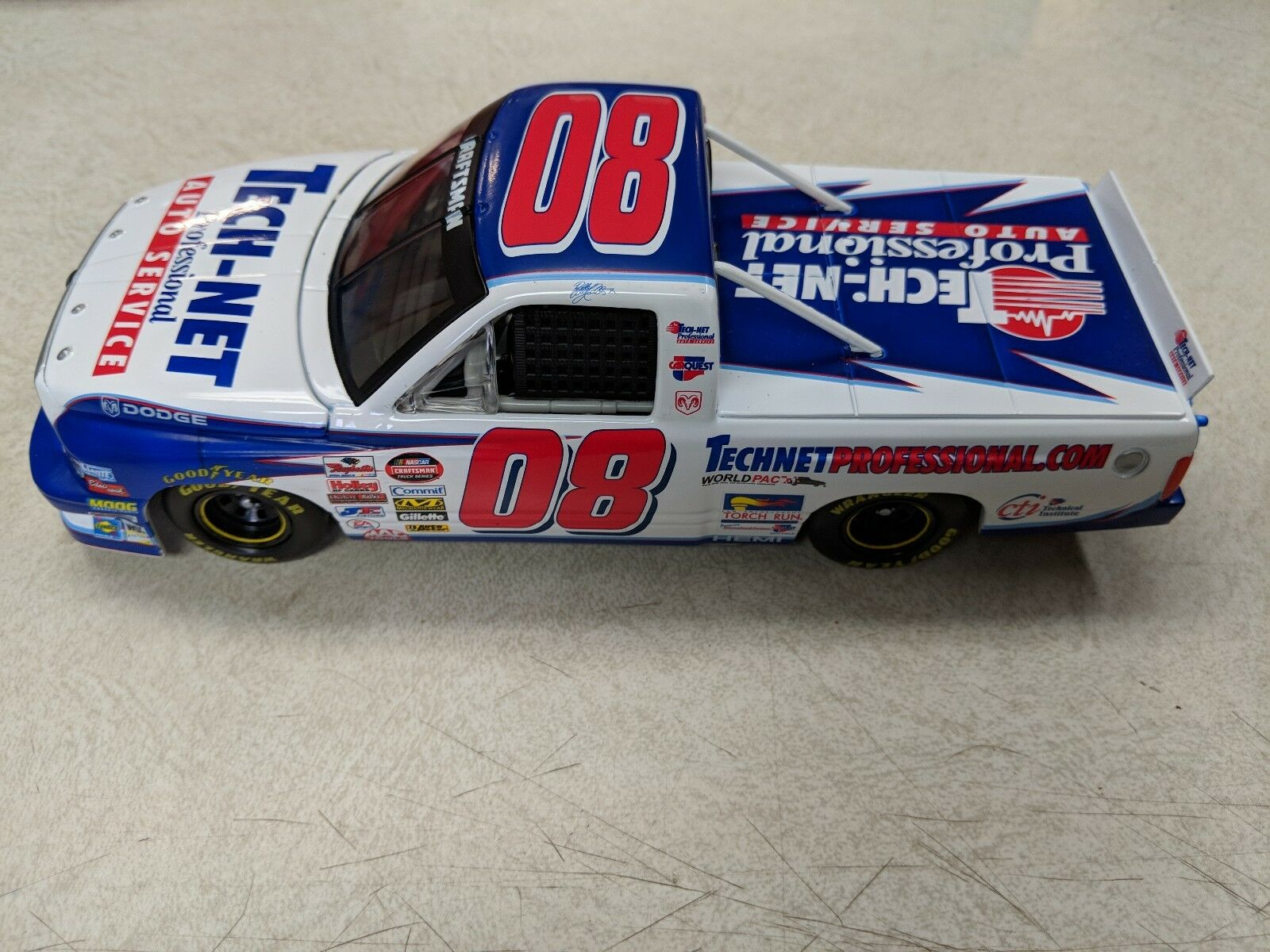 BOBBY HAMILTON JR  08 LIMITED EDITION TECH NET AUTHENTIC RACING COLLECTABLE