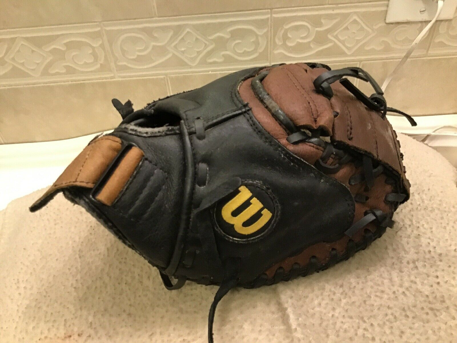 "Wilson Youth 30"" Baseball A450 Defender Catchers Mitt Right Hand Throw"